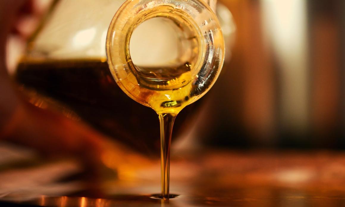 L'huile de souchet : Anti-repousse poils naturel