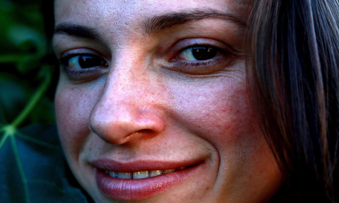 Pores dilatés : Conseils pour minimiser les pores de la peau