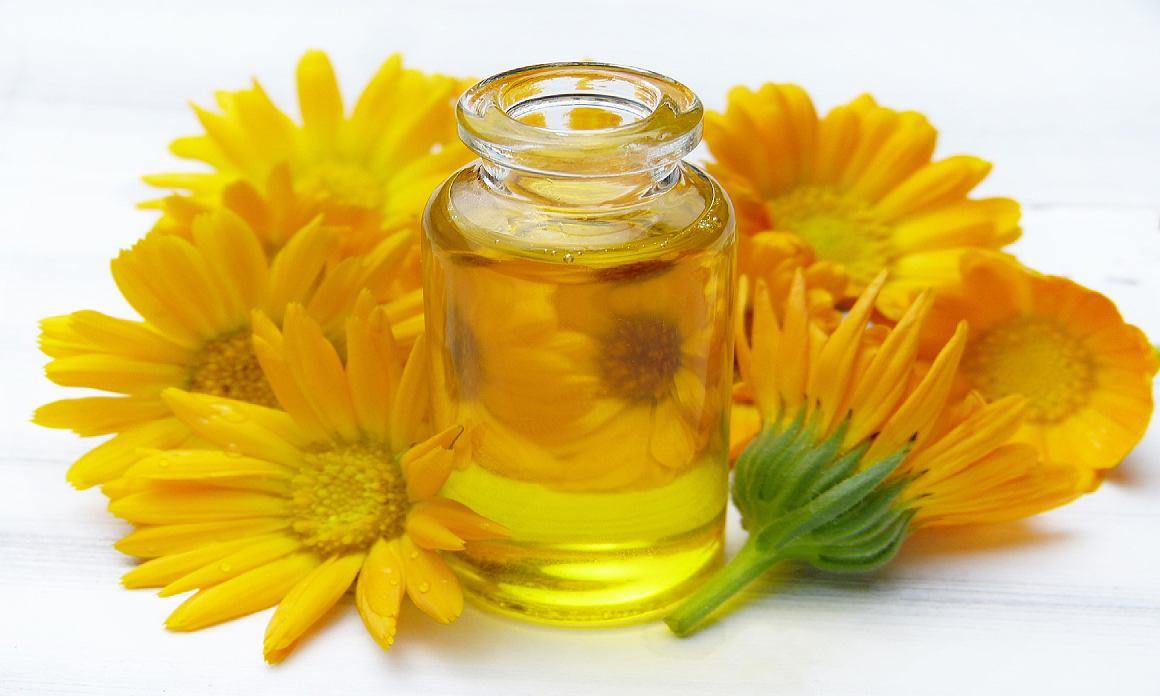 Huile après-rasage ou épilation: Les huiles végétales pour apaiser le feu du rasoir et les irritations