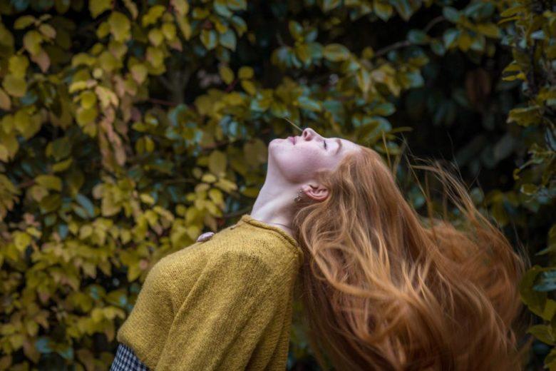 Pousse des cheveux plus rapide : conseils croissance capillaire