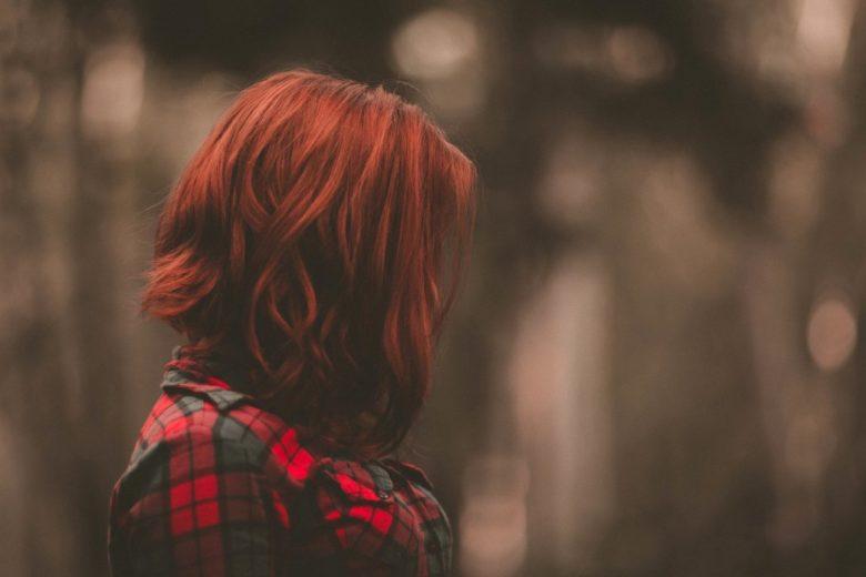 Huile pour cheveux colorés pour prolonger la couleur