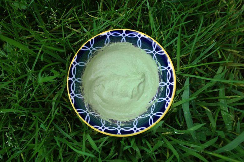 Masque visage à l'argile verte pour peau grasse et acnéique